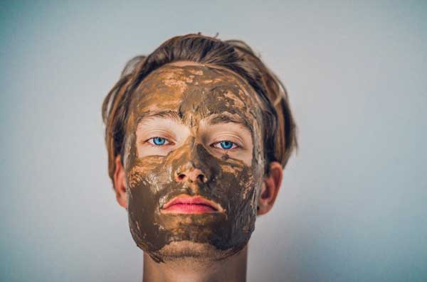 turning-your-bathroom-to-spa-face-mask